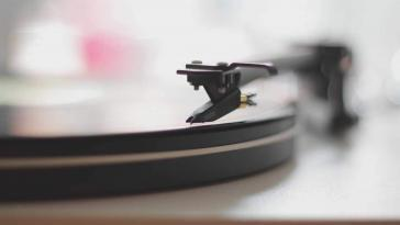 U-Turn Audio Orbit Plus Turntable with Built-in Preamp Review