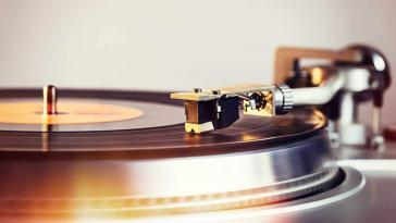 Fluance RT81 High Fidelity Vinyl Turntable Record Player Review